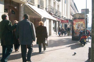 calle comercial gente madrid