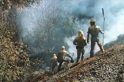 incendio reten apagando